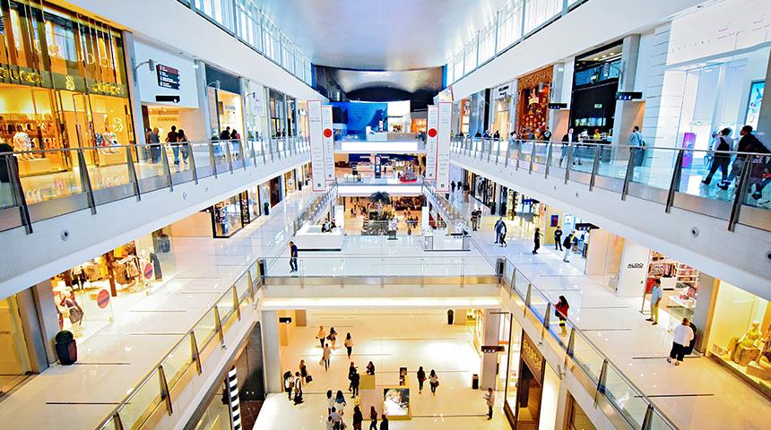 Centre commerciale, les millenales et la consommation